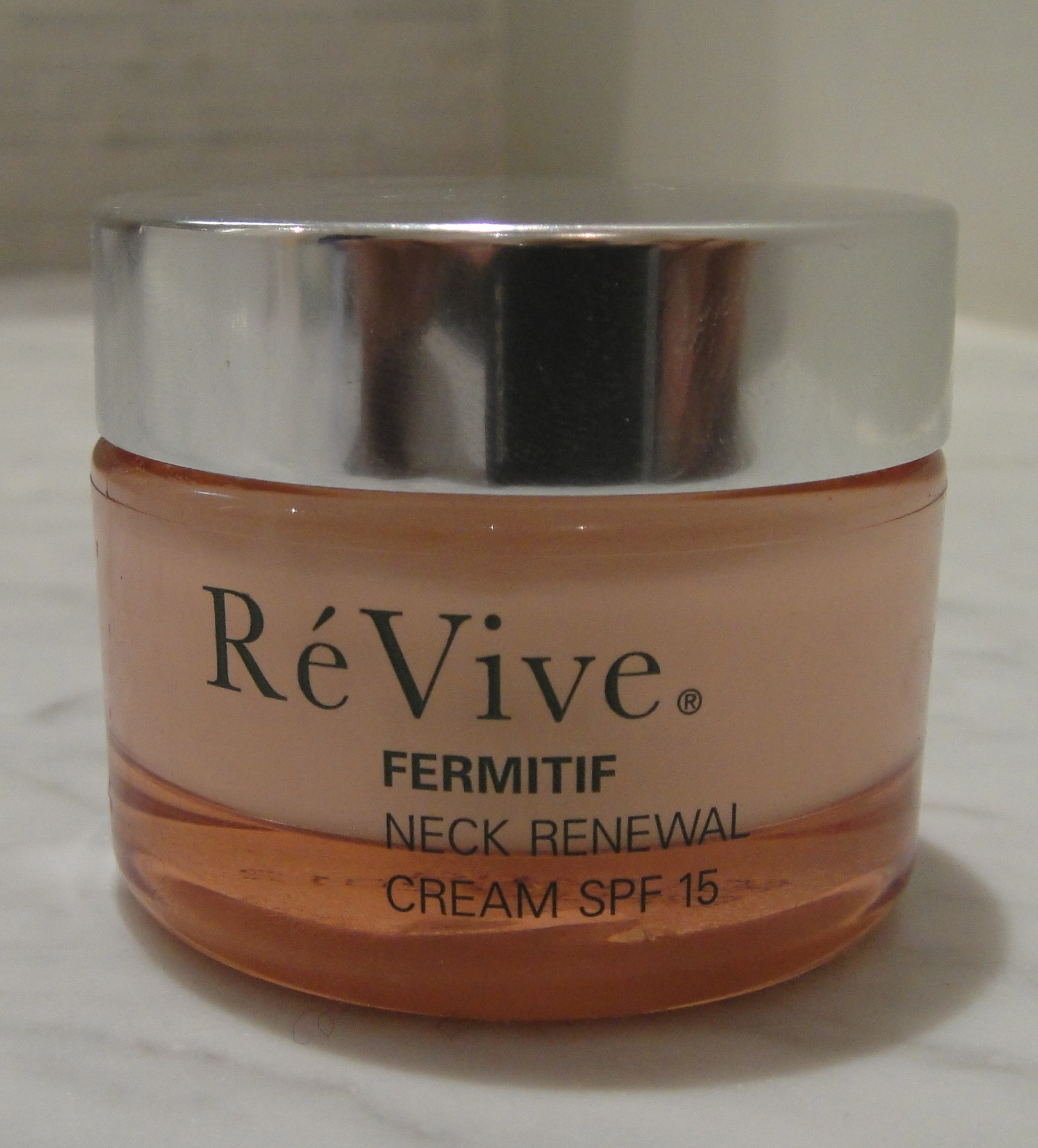Extra Defense: Neck; Re Vive, Fermitif neck renewal cream (SPF 15)