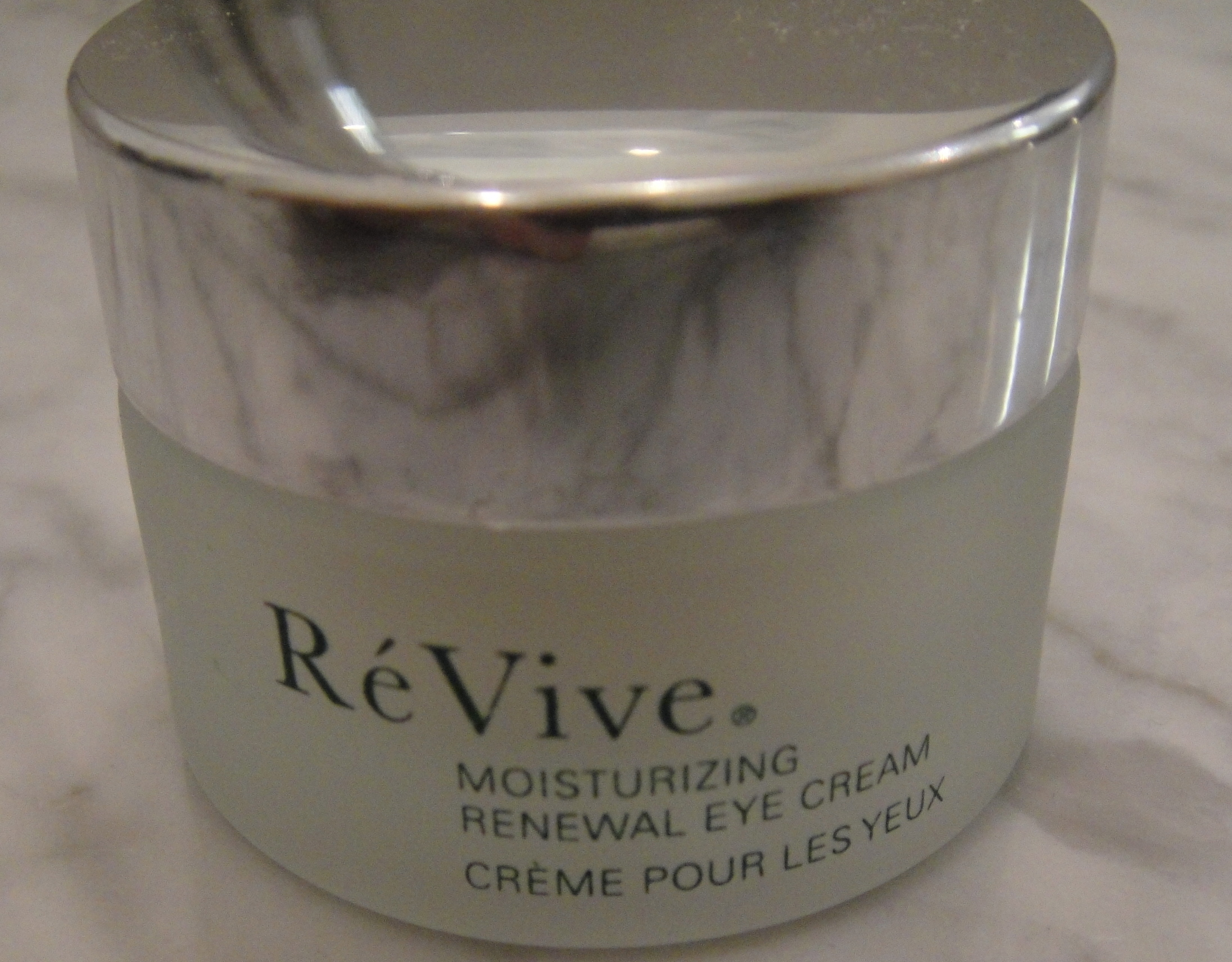 Eyes: Re Vive, moisturizing renewal eye cream