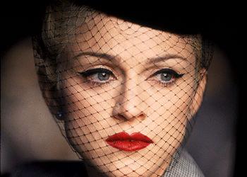 MadonnaTakeABow- Laura Mercier